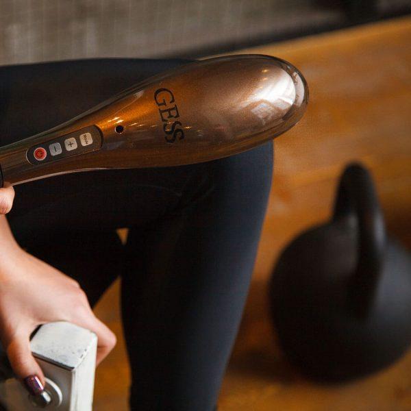 Беспроводной массажер для тела Hammer, 5 режимов массажа, 3 сменные насадки, автоотключение, простое управление