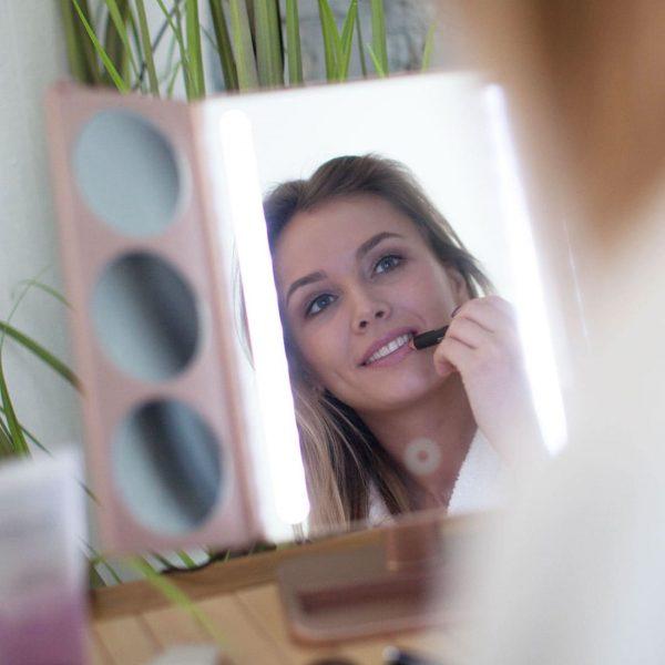 Настольное зеркало uLike Gold для макияжа с подсветкой из 2 светодиодных полосок раскладное, 3 дополнительных зеркальца с увеличением, сенсорный экран, GESS